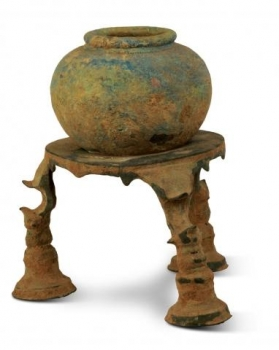Pot with Stand